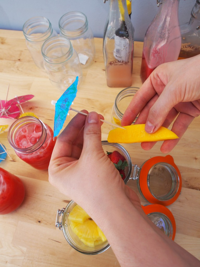 how to garnish drinks