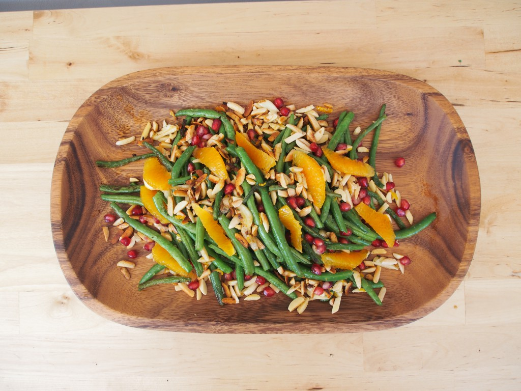 Thanksgiving Sides: Garlic Green Beans with Seasonal Fruit